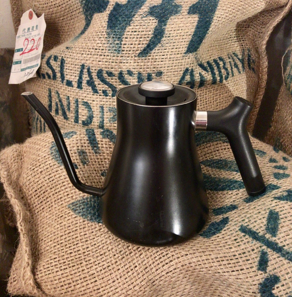 【当店使用】FELLOW(フェロー) Stagg Pour-Over Kettle(スタッグ ポア オーバーケトル)マットブラック + コーヒー豆150g付き